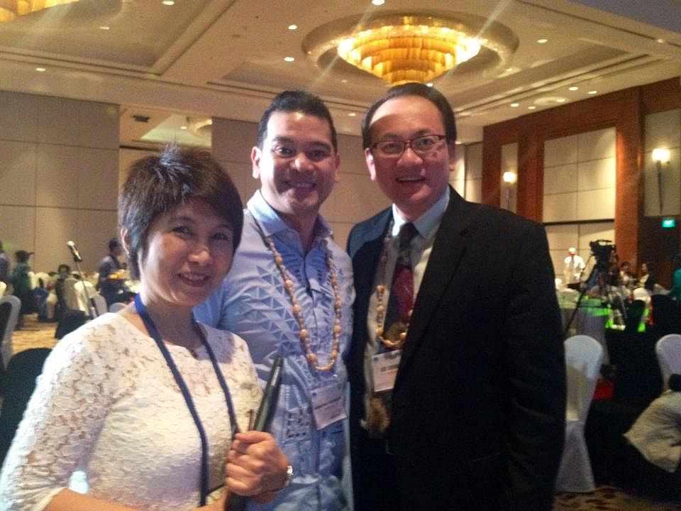Dr Lee with President and VP of PPA