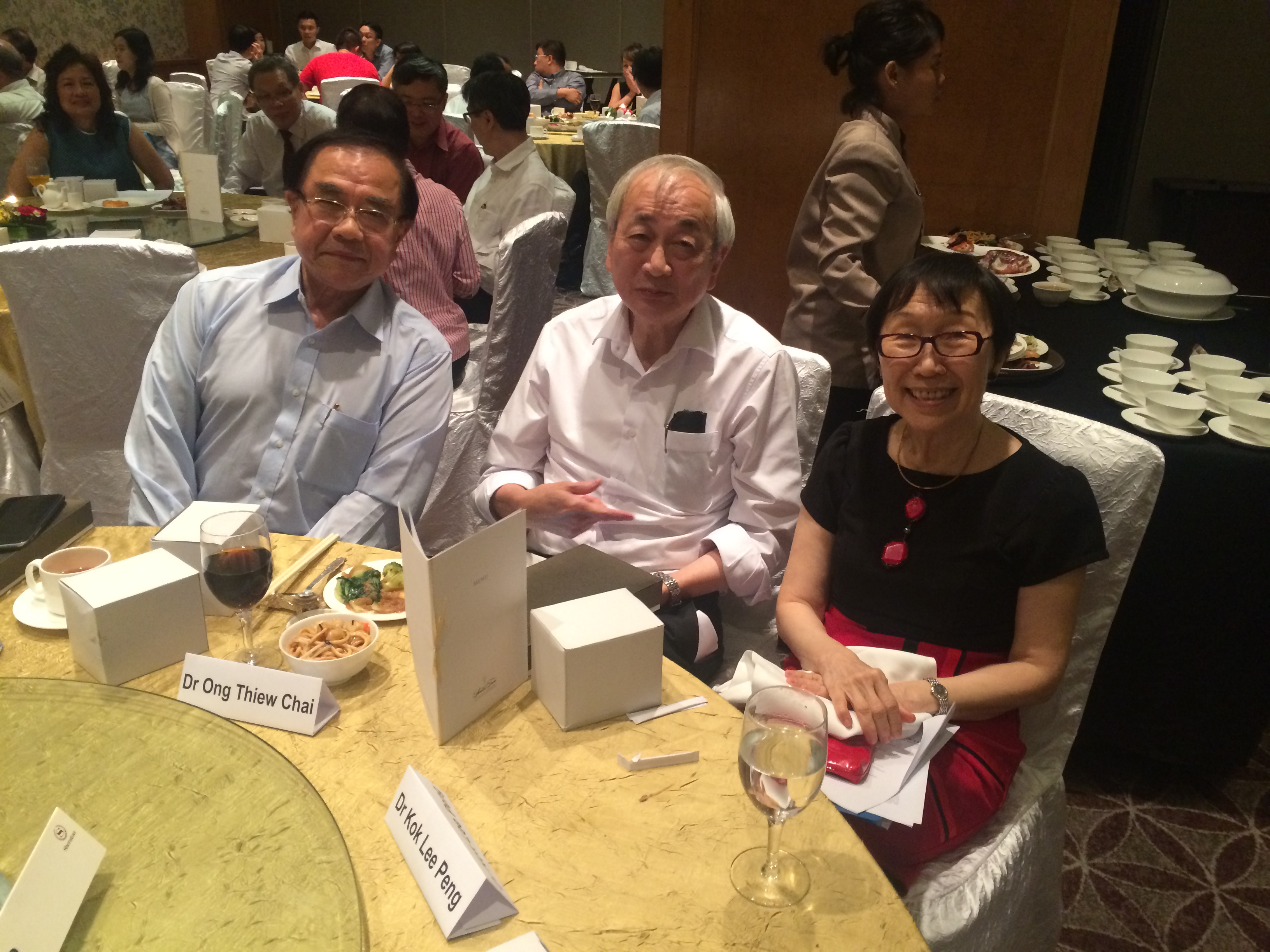 Three-Distinguished-Psychiatrist-Award-winners-on-one-table